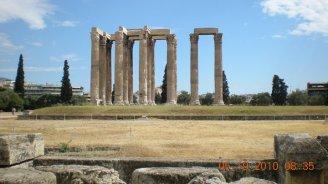Voy- Athens, Temple of Olympian Zeus.jpg